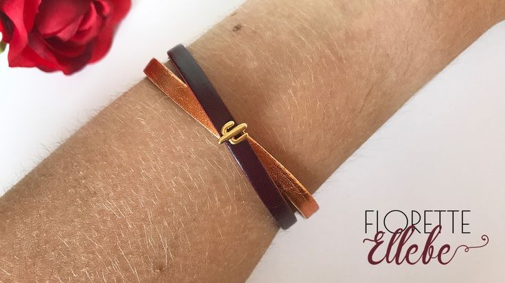 Fabriqué en France et à la main, ce bracelet est formé de deux rubans en cuir de qualité et d'un bijou cactus en zamak doré 24K. Un bijou en cuir de qualité
