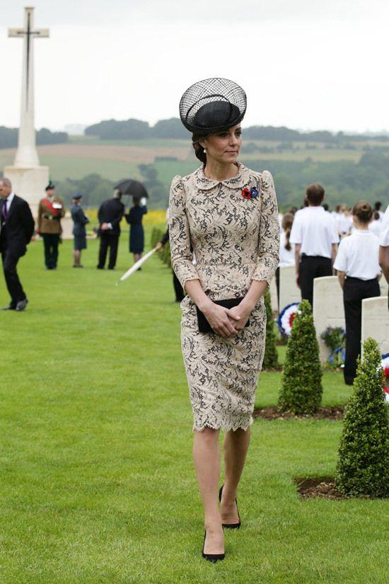 Catherine-Duchess-Cambridge-Kate-Middleton-Fashion-Sophie-Halette-Missoni-Tom-Lorenzo-Site (5)