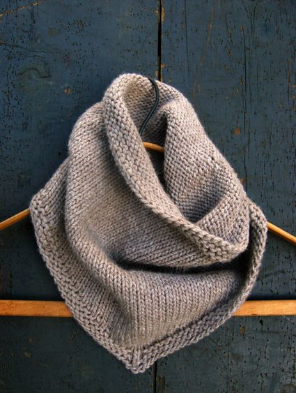 7 Easy Knit Cowls (in the round :- / )