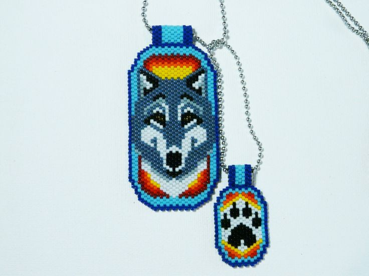 """Plaques perlées """"Loup et empreinte"""", inspirées des plaques militaire américaine : Collier par laurette-perles-creation"""