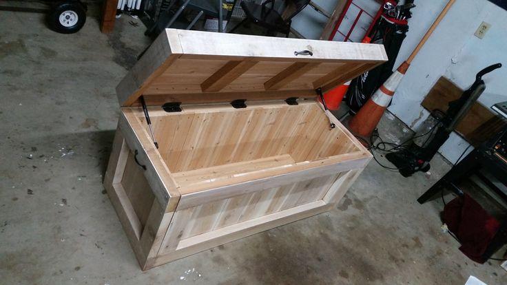 Cedar Hope Chest (#QuickCrafter)