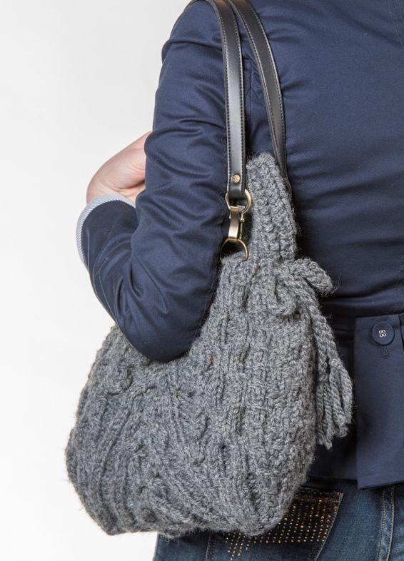 Šedá pletená kabelka