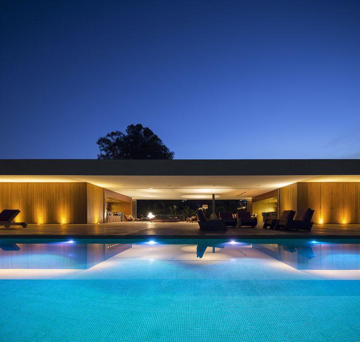 Casa Lee, by Studio MK27 - Marcio Kogan + Eduardo Glycerio.