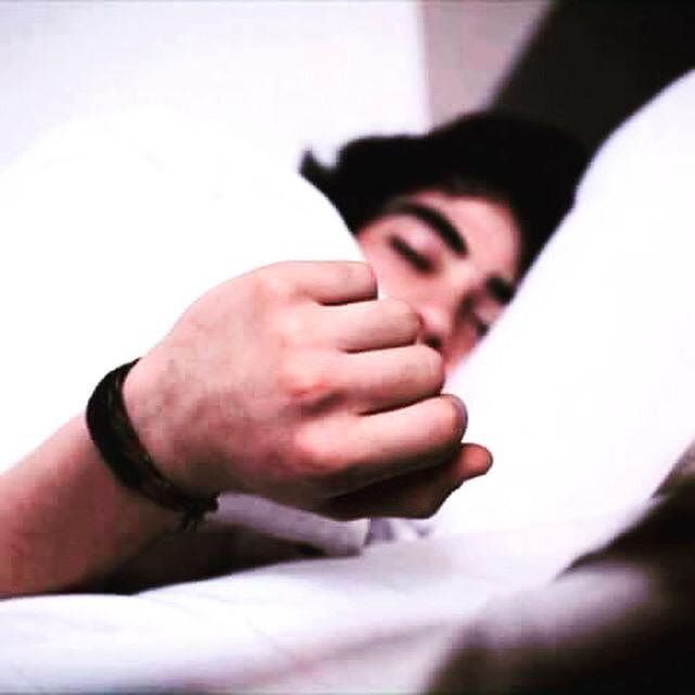 Hasta durmiendo te vez hermoso