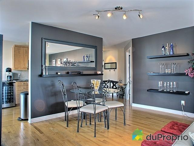 Condo for sale in Montreal, 302-7575, chemin Westover | DuProprio #1. I quite like this one. It includes parking garage and all appliances and washer/dryer. good square footage. a little more expensive though