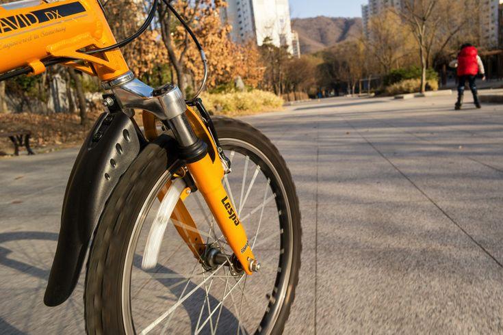 Riding - NX30, 16mm F2.4