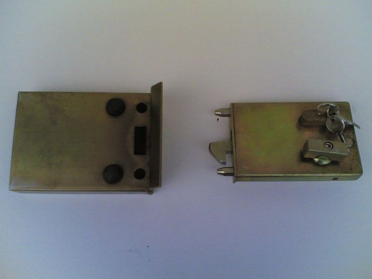 Serratura a gancio per cancello   Clasp lock for gate