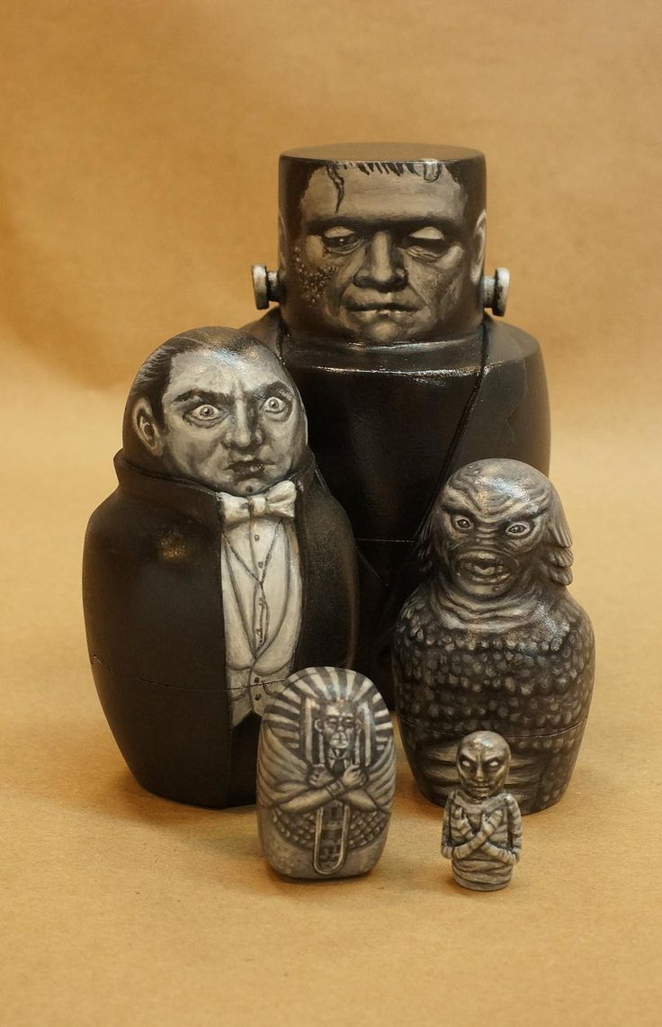 Monster Nesting Dolls: Frankenstein's Monster, Dracula, Creature From the Black Lagoon and The Mummy.