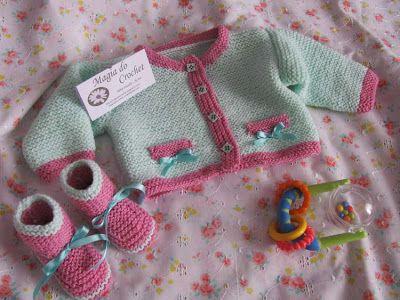 Magia do Crochet: Casaco e botinhas em tricot para bebé e a minha almofada em crochet