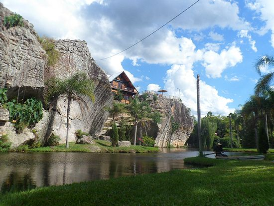 Cabaña Ita Kua Fuente: ella.Paraguay