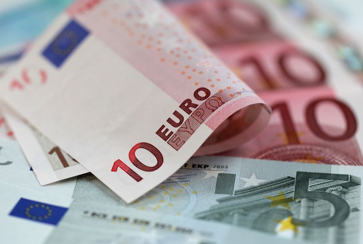 The current exchange rate: £1 is 1.15 euro. The average daily cost as a tourist in Taormina is 71.54 euros.
