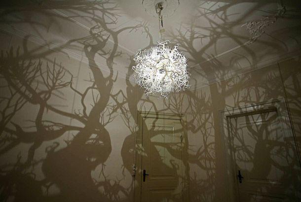 おへやを不思議の森に変えてくれる照明
