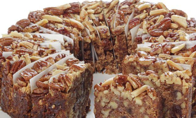 طريقة عمل كيك القرفة بالفواكه المجففة كيك سهل Easy Cake Sweet Recipes Cake