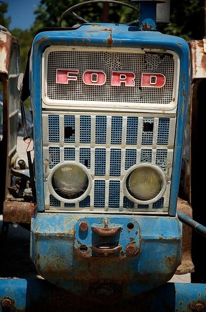 Rusty Ford 5000 farm tractor
