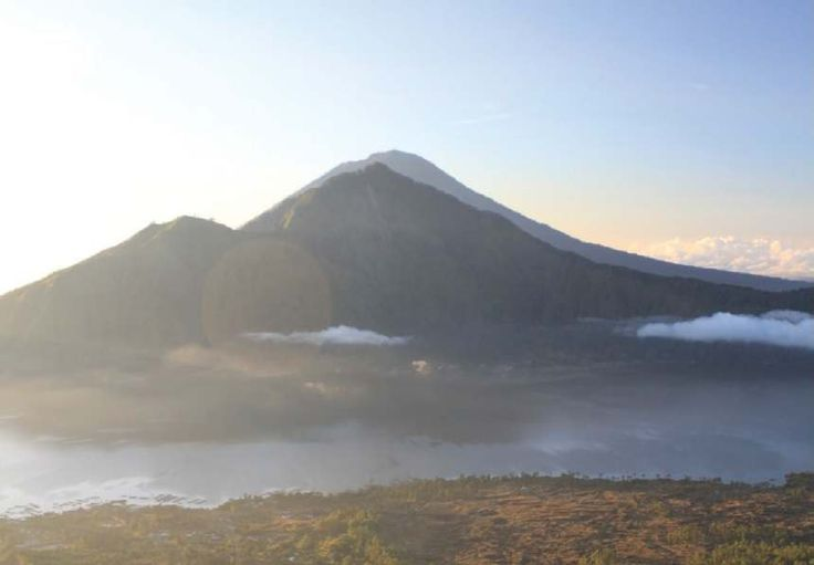 Ever thinking of trekking Mt. Batur, Mt. Abang, or Mt. Agung Bali? Check out this #HotDeal package from Pineh Trekking Bali