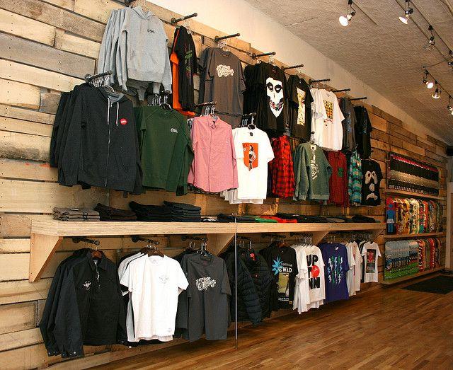 Familia skateshop clothing displays display and retail for Retail shirt display ideas