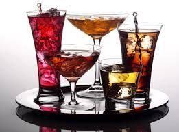 Het is gemakkelijk om alcohol vlekken op je kleding, bekleding of ...