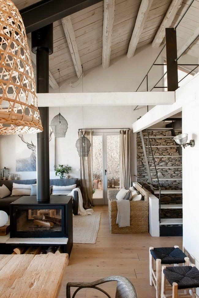 Como Reformar Una Casa Antigua Restaurar Viviendas Antiguas Salon Con Chimenea Chimeneas Casa Antigua