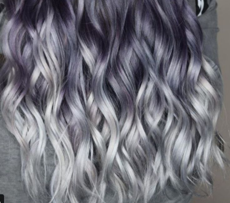 Whether we are talking aboutpeanut butter and jelly hair,denim hairor mulled wine hair, it seems that every single month brings a funky new hair hue to drool over. And this month is no different: Right now ghosted hair color is breaking the Internet, and for good reason! It's a sexy,