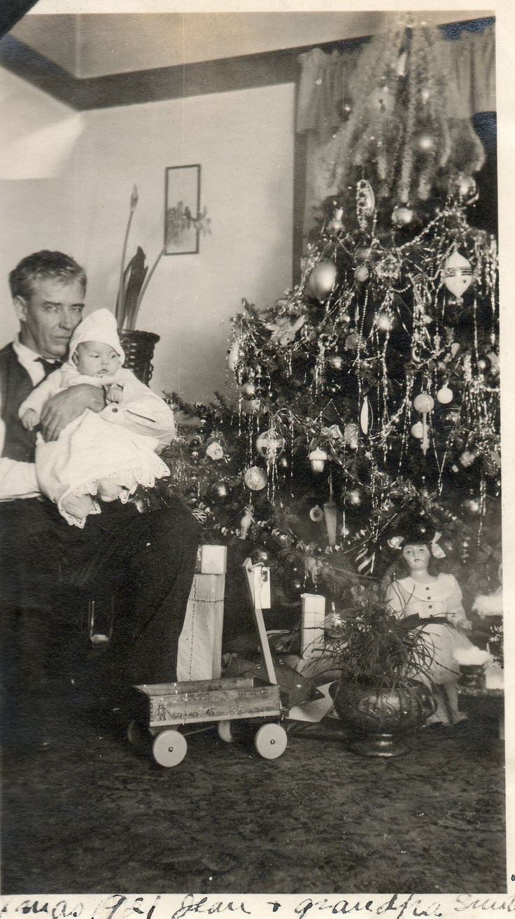 Vintage christmas trees and putzes 1910 - Christmas 1921 Wildwood In La Crescent Mn Smith Family Photo Frank And Jeane