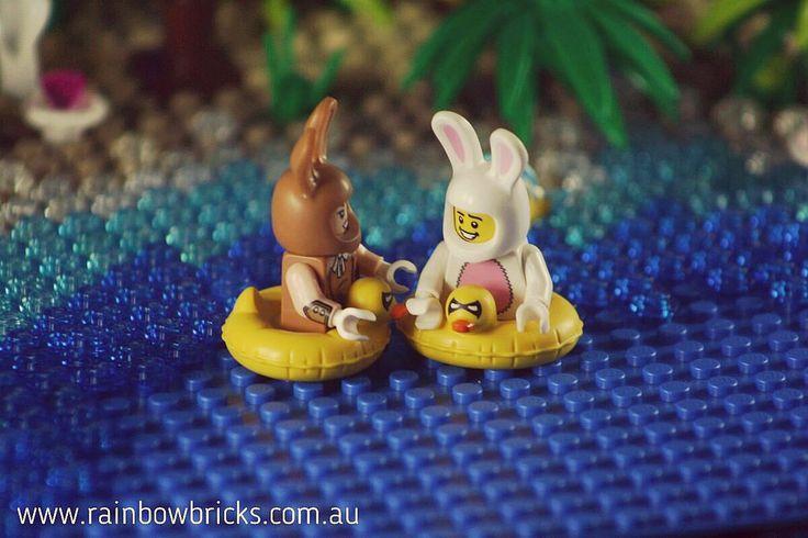 https://flic.kr/p/SUARET | The happy couple swimming.