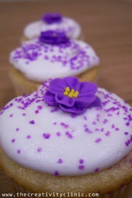Royal Icing Flowers and Cupcakes