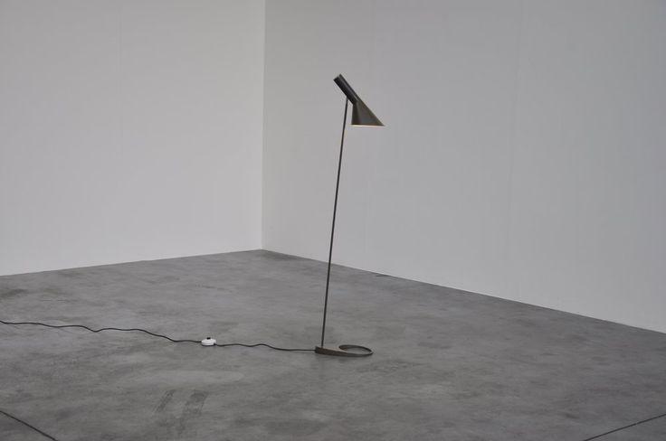Floor Lamp by Arne Jacobsen for Louis Poulsen (1958).