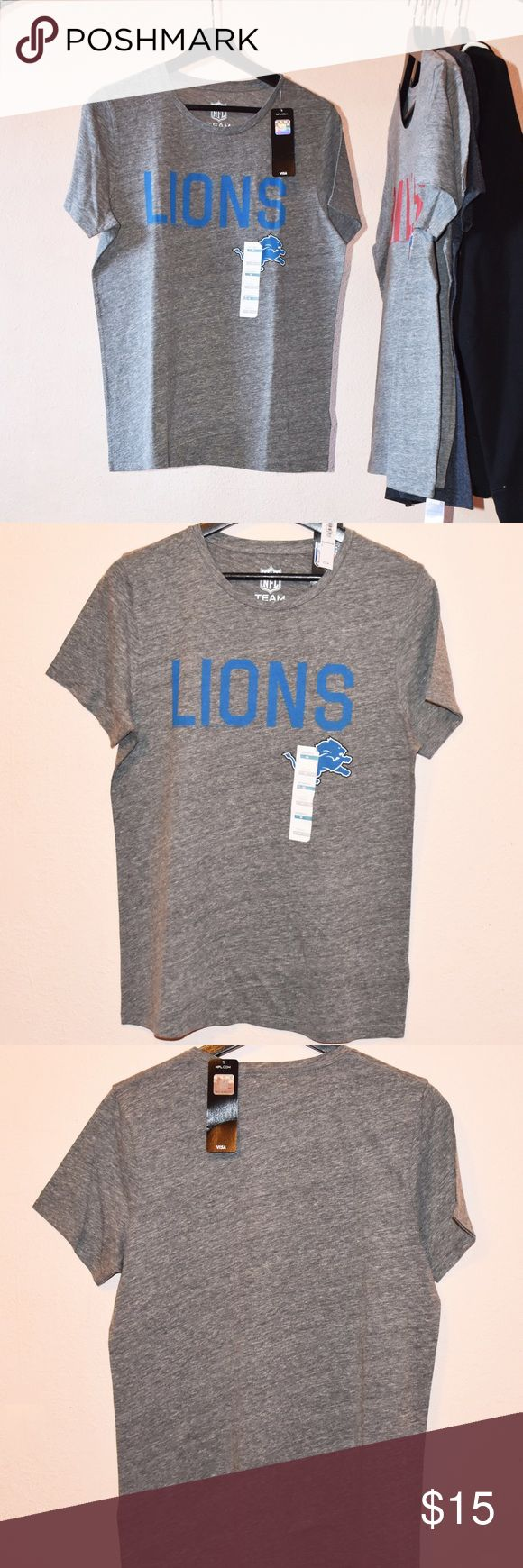 Detroit Lions T-Shirt NEW NFL Team Apparel with Authenticity Sticker Old Navy Tops Tees - Short Sleeve