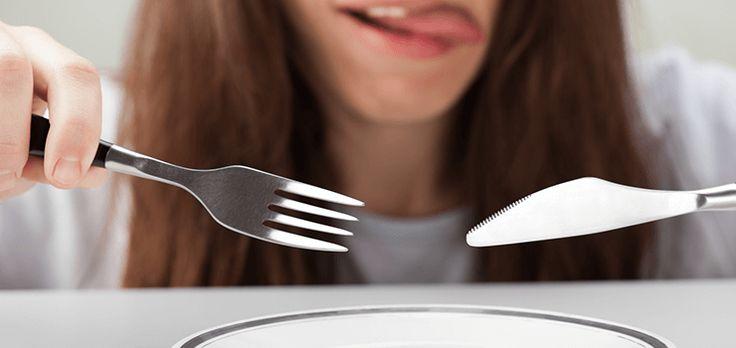 """Är du hungrig mellan målen? Ingmarie Nilsson ger bra tips på snacks!  Vår gästbloggare Ingmarie Nilsson vet hur man fixar energi, inte bara genom yoga, utan också genom """"ren"""" mat och snacks. Här några tips på vad man kan fylla på med mellan måltiderna.  #snacks #mellanmål #ingmarienilsson #näringförlivskraft"""