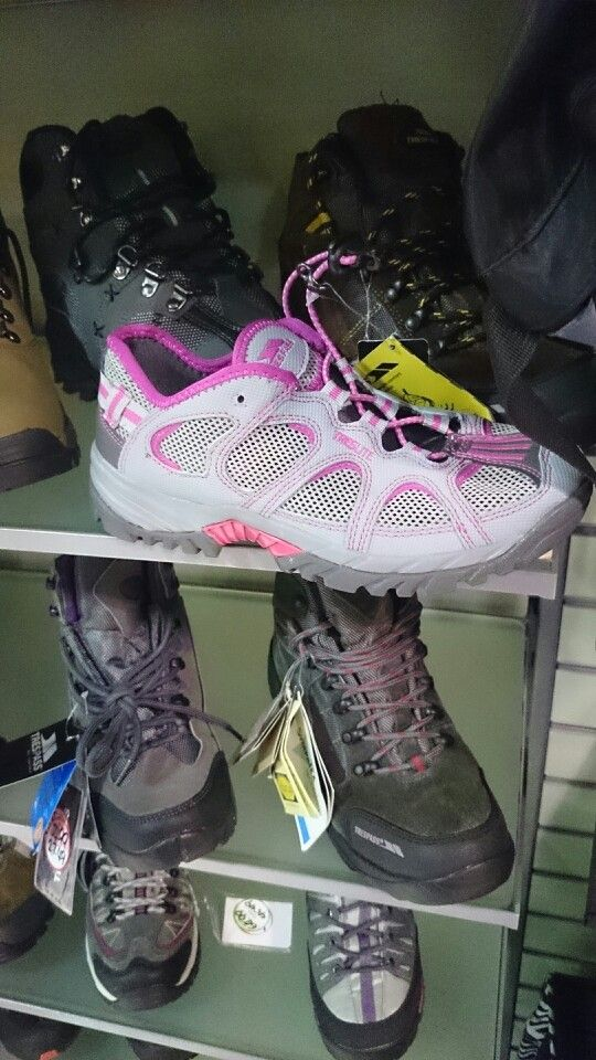 Walking trainers