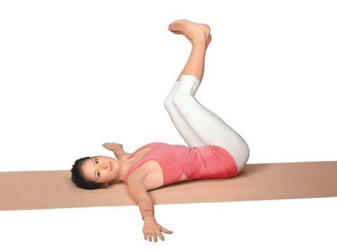 Nie wieder Kreuzweh: Die Zauberformel dafür heißt Yoga. Denn die asiatischen Übungen stärken und entspannen gleichermaßen. Und jeder kann sie ganz leicht lernen.
