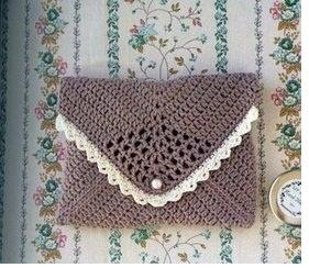 Crochet envelope bag with diagram
