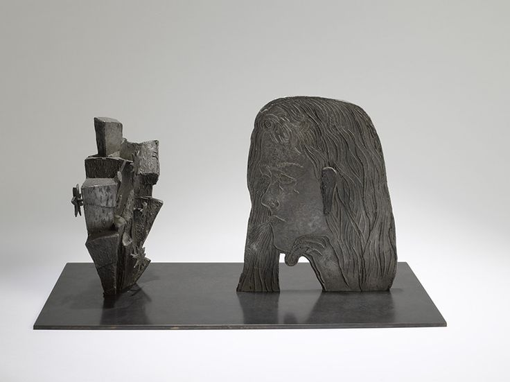 <p>Kiki+Smith's+work+resists+both+modern+and+classical+notions+of+beauty,+trading+in+the+easily+fetishized+exterior+of+the+body+for+the+interior,+exposing+the+inner+life+of+the+flesh.+Often,+Smith+draws+upon+themes+of+death,+sexuality,+and+vulnerability+in+her+work+with+the+concept+of+the+feminine+at+…</p>