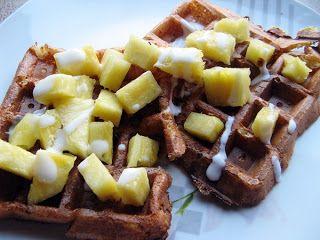 Feel Eat!: Przepis na śniadanie inne niż zwykle ,czyli twarogowe gofry bez mąki z ananasem