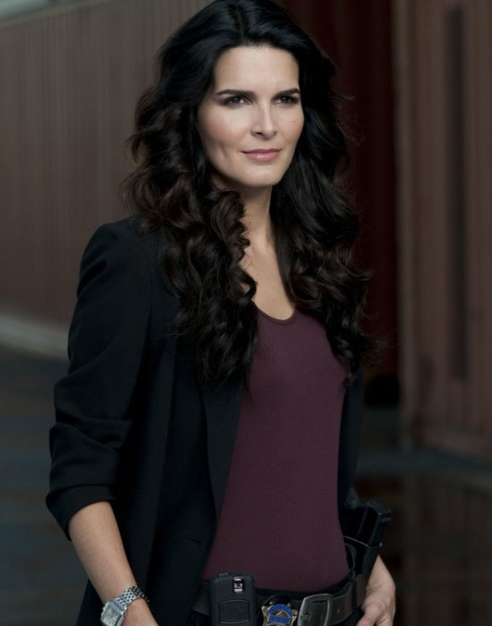 Jane Rizzoli (Angie Harmon), Rizzoli & Isles: Angie Harmon, Jane Rizzoli, Fashion Models, Cops, Famous People, Detective, Hair, In Law, Rizzoli Isle
