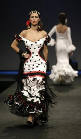 Flamenco Fashion by Aurora Gaviño, 2008