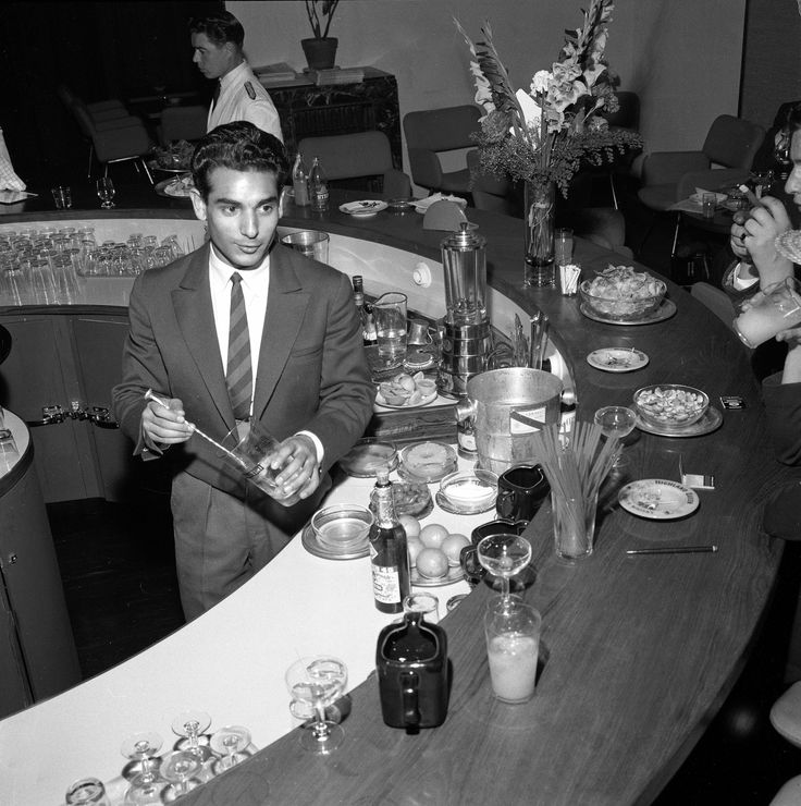 Helsingin Hotelli Tornin uusi baari 20.7.1960.