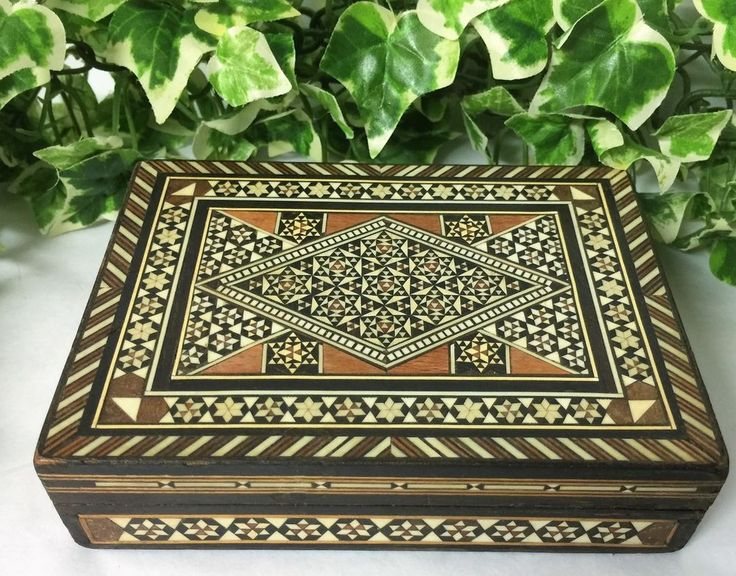 Beautiful Anglo-Indian Vizagapatam Style Wooden Trinket Box Red Velvet Inlay