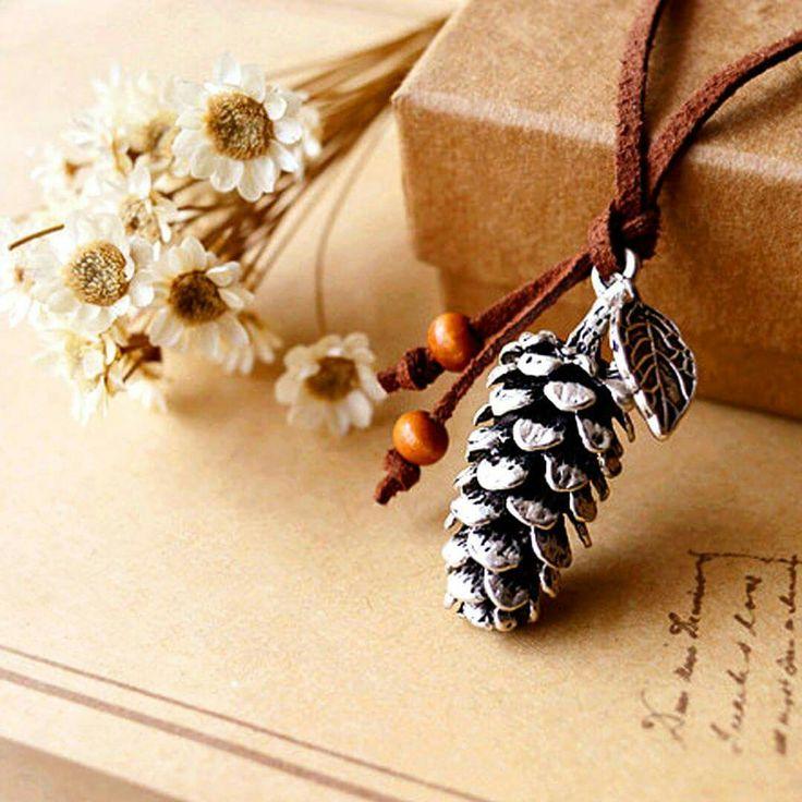 CicaJewels-Terra koleksiyonu-Çam Kozalağı Kolye #cicajewels #yerelkültür #sonsuzkıvrılançiçekler #bayanaksesuar #çamağacı #leather #kış #etnik #çamkozalağı #deri #silver #gümüş #takı #aşkvesadakat #Kibele #terra #pine