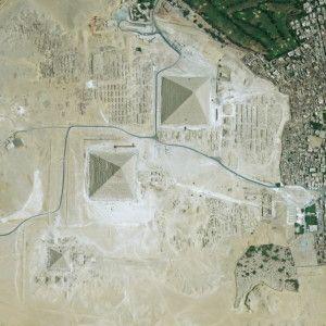 Marea Piramidă - imagine satelit