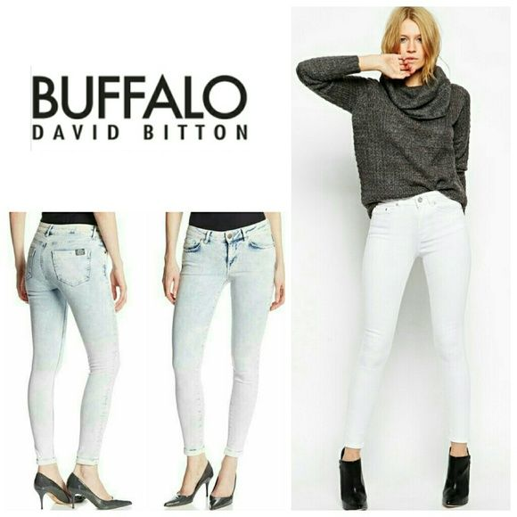 🔥STEAL🔥Buffalo Mid Rise Skinny Ankle Grazer Jean Buffalo Mid Rise Skinny Ankle Grazer Jeans in extreme bleach. These trend setting skinnies hug every curve with the classic mid rise fit, grazing the ankles to display your sexy heel of choice! These are a must have!   No trade, discount with bundle! Buffalo Jeans Ankle & Cropped