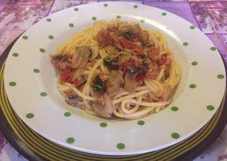 LE GUSTOSE RICETTE  DI NONNA MARIA: Spaghetti al Tonno funghi e peperoncino secco