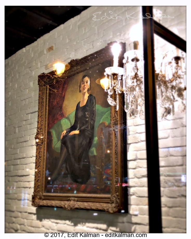 Christmas #Budapest, #Christmas, #Lady, #Lights, #Painting, #Portrait, #Portraitofalady, #Woman, #Womantheworldherself - https://goo.gl/smo1nM