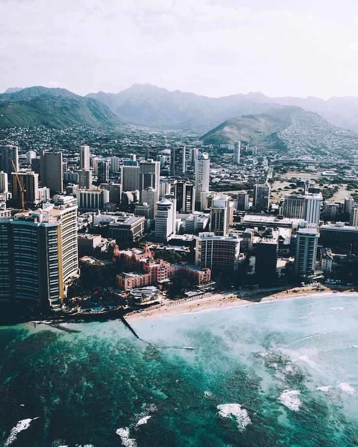 Hawaii 😍🌴 #TroopsHQ   #travellife #placetobe #placetogo #travelpics #hopi #thegreatoutdoors #loveearth #photography #tagsforlikes #trip #roadtrip #artwork #grandcanyon #drawing #creative #nikon #watchtower #indian #art #hopiart #twotravelers #oneheart #usa #arizona #nikonphotography #orange #animalroad #roadtripfood #westcoastroadtrip #roadtripping