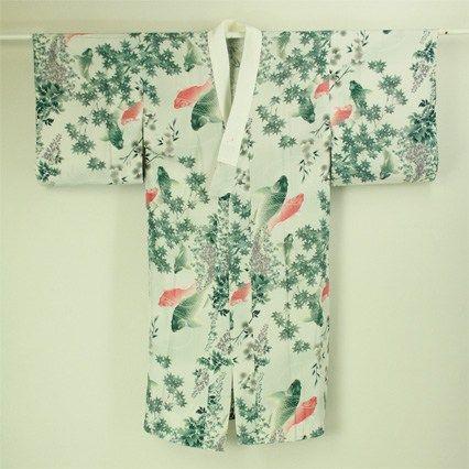 White gray carp and maple flower pattern / こだわりお洒落に 鉛白地 鯉と紅葉花柄 長襦袢 #Kimono #Japan http://www.rakuten.co.jp/aiyama/