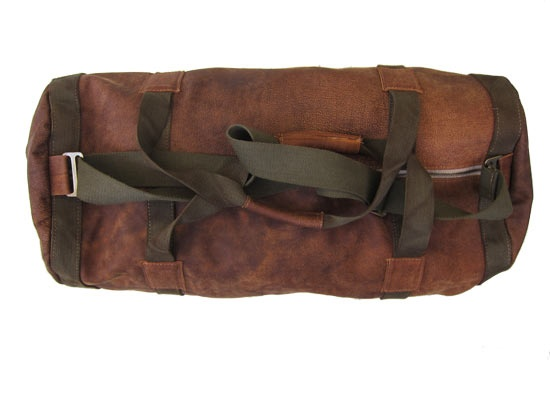 A classic full genuine #leather #duffel #bag. Perfect for any serious travels! Woodlands Brown and Olive Straps.