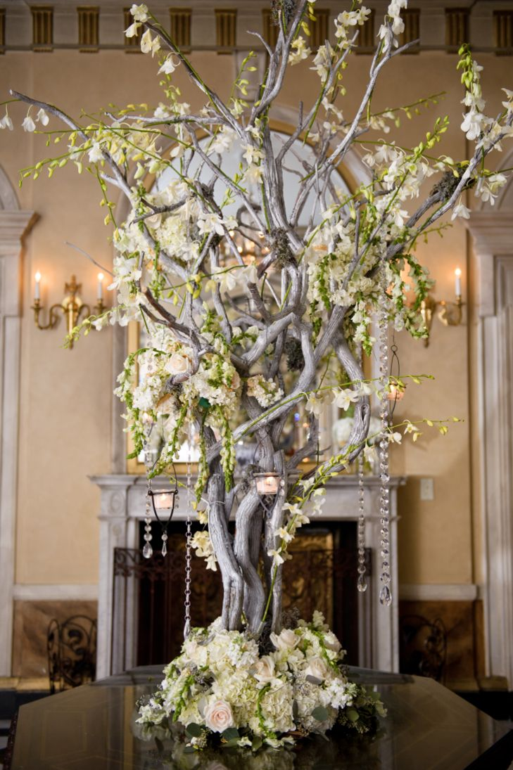Elegant Manzanita Branch Centerpiece | Sweet Inspirations Events https://www.theknot.com/marketplace/sweet-inspirations-events-long-island-city-ny-545130 | Ashley Therese Photography, LLC. https://www.theknot.com/marketplace/ashley-therese-photography-llc-fairfield-county-ct-334983