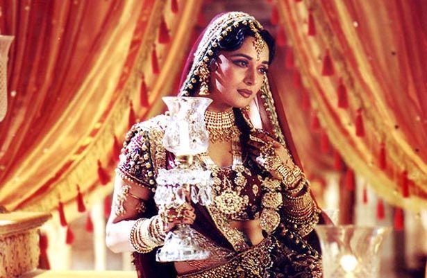 Madhuri Dixit In Devdas 2002 Indian Aesthetic Bollywood Fashion Madhuri Dixit
