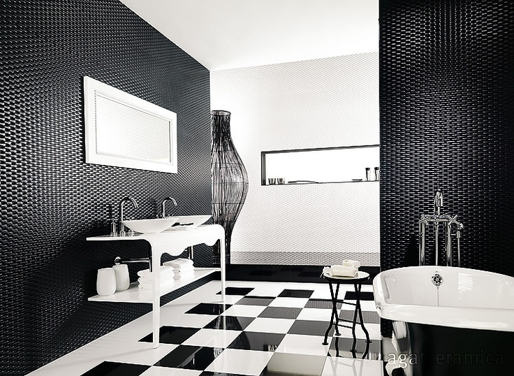 Amazing Black And White Bathroom Design With A Huge Custom Made Bathtub :  Amazing Black And White Bathroom Design With A Huge Custom Made Bathtub  With ... Part 75