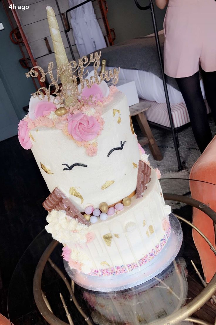 Zoella's birthday cake